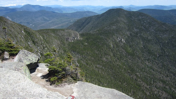 View back to East Osceola from the summit ledges of Osceola.