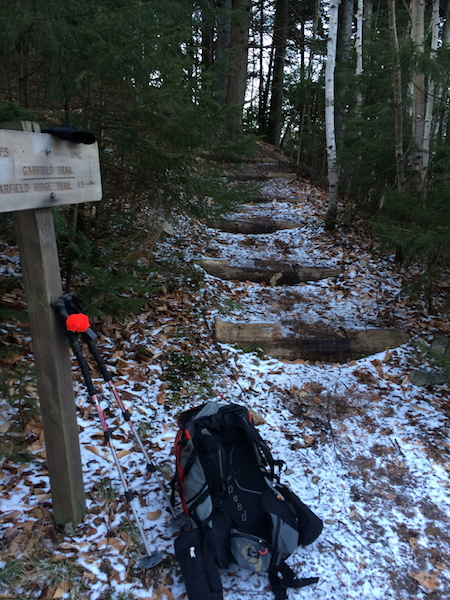 The start of the Garfield Trail.  There was no snow we when came back in the afternoon.